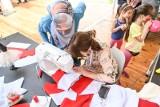 Wspólna Flaga - Wspólna Polska. Patchworkowa flaga Polski zawiśnie nad Gdańskiem. Powstała podczas Święta Wolności i Solidarności