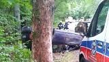 Samochód dachował na drodze niedaleko Stargardu. Zobacz zdjęcia