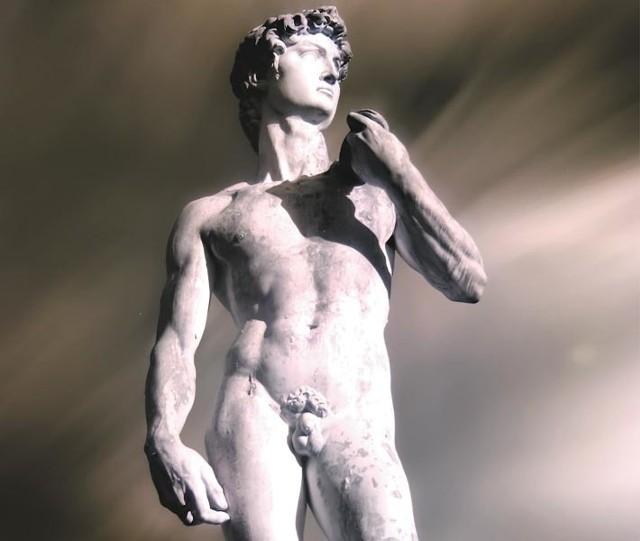 Niektórzy twierdzą, że ideał męskości znaleźć można jedynie na cokołach starożytnych posągów...