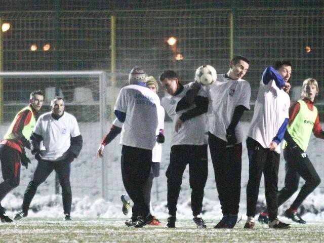 Drugi raz zimą spotkały się w meczu sparingowym zespoły Gryfa Słupsk i Jantara Ustka. W środę był remis 4:4 (0:2).