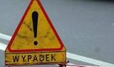 Wypadek przy ul. Towarowej w Jaśle. Motocyklista trafił do szpitala. Droga jest całkowicie zablokowana