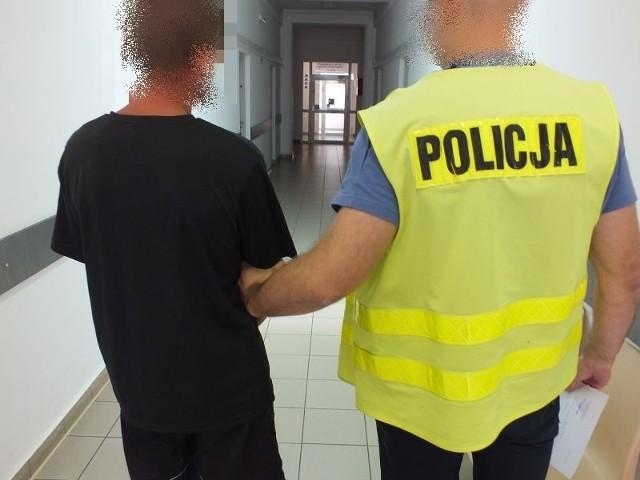 Policjanci zabezpieczyli w mieszkaniu głogowianina, pneumatyczny pistolet oraz amunicję.