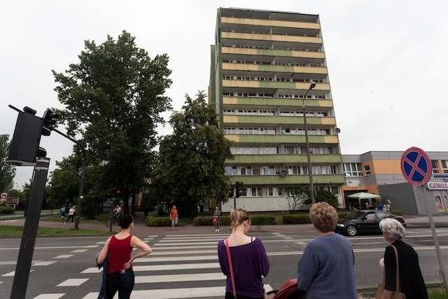 Kobietę znaleziono martwą w jedym z mieszkań przy ul. Powstańców Wielkopolskich 51