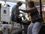 Jarmark antyków na ulicy Długiej - idź tam w sobotę i spróbuj francuskiego omleta z truflami!