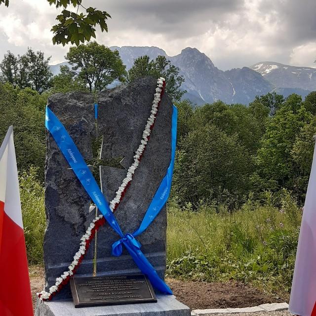 Obelisk poświęcony ochotnikom z Zakopanego, którzy walczyli w III Powstaniu Śląskim