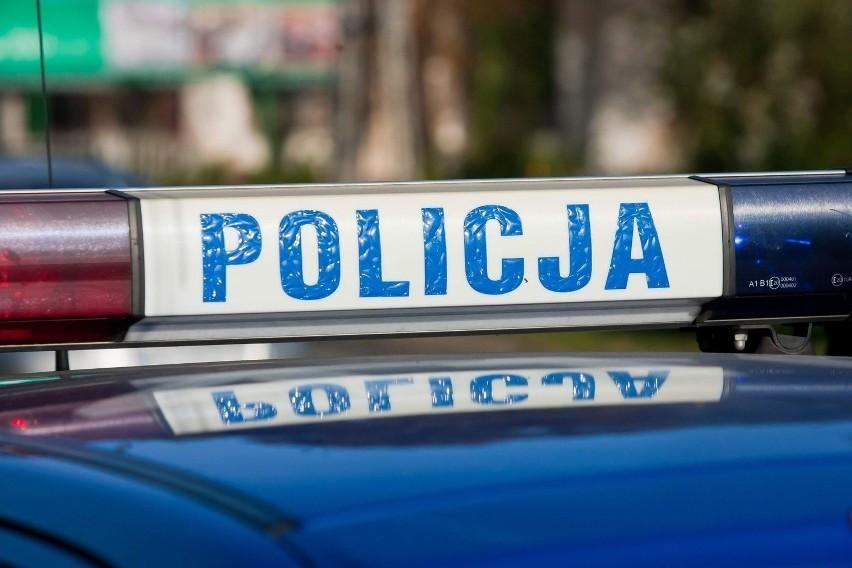 Wypadek na skrzyżowaniu drogi wojewódzkiej z ulicą Kościuszki w Daleszycach. Ranne trzy osoby