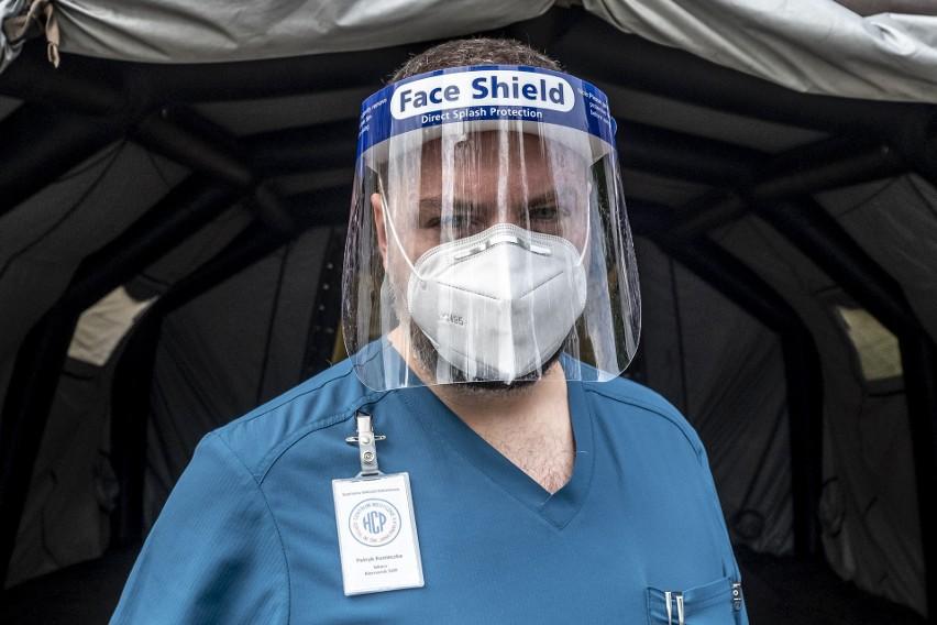 Specjalista medycyny ratunkowej, lek. Patryk Konieczka, szef...