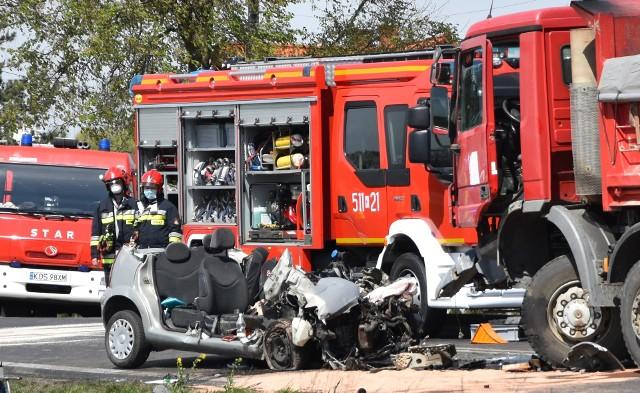 Wypadek w Oświęcimiu, w którym zginęły dwie osoby, spowodował dziś duże utrudnienia na DK44