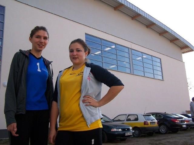 - Mamy teraz świetne warunki do trenowania - mówią gimnazjalistki z Gorzowa Śląskiego: Sara Kulik (z lewej) i Amelia Gnacy.
