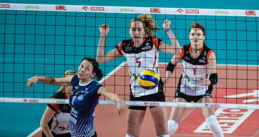 Marta Wójcik (nr 8) będzie grać w ŁKS Commercecon