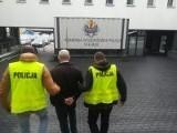 Afera w Łodzi. Policja zatrzymała 54-letniego medyka. Wypisywał lewe zwolnienia i zaświadczenia