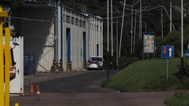 W zakładzie koszalinskiego PGK w Sianowie podczas sortowania odpadów jedna z pracownic znalazła zwłoki noworodka.