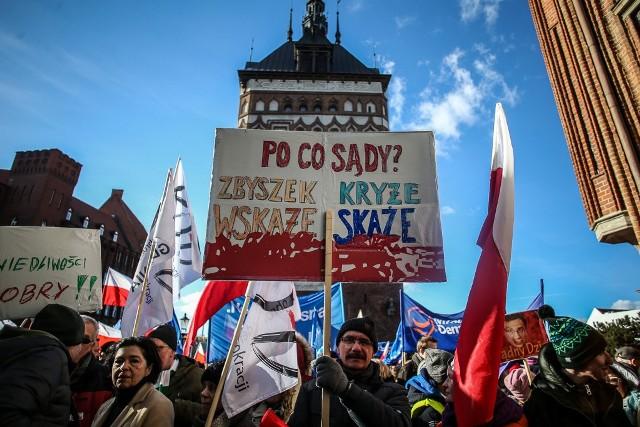 """Ulicami Gdańska przeszedł przeszedł marsz """"Pomorze dla sprawiedliwości"""""""