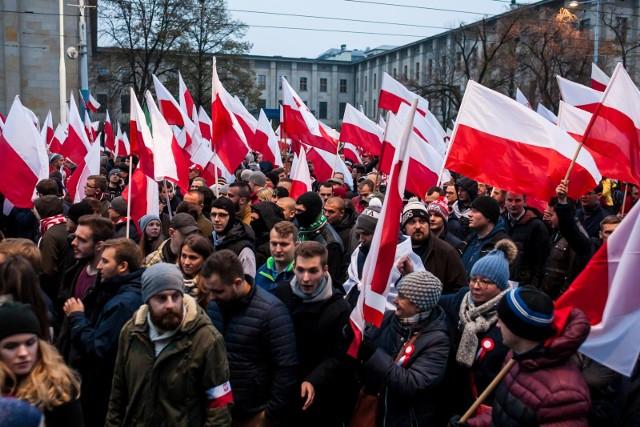 Ministerstwo Spraw Wewnętrznych i Administracji chce czasowego zakazu noszenia broni w Warszawie 11 listopada.