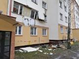 Wybuch gazu w Łomży. W bloku przy ulicy Żeromskiego wyleciały okna i rozerwana została ściana. Mieszkanka trafiła do szpitala (zdjęcia)