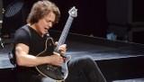 """Eddie Van Halen nie żyje. Słynny gitarzysta rockowy i lider amerykańskiej grupy Van Halen miał 65 lat. Odszedł """"Mozart rocka"""""""