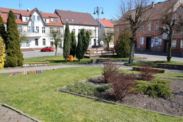 W tym miejscu na Placu Wolności w Sępólnie stał niegdyś kościół ewangelicki