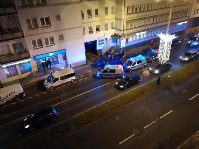 Policyjna akcja w centrum Rzeszowa. Miało tu dojść do napadu na kantor.