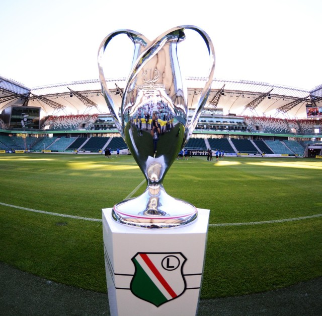 Legia Warszawa broni trofeum Pucharu Polski