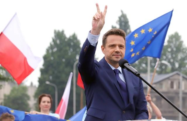 Rafał Trzaskowski zebrał 1,6 mln podpisów poparcia.