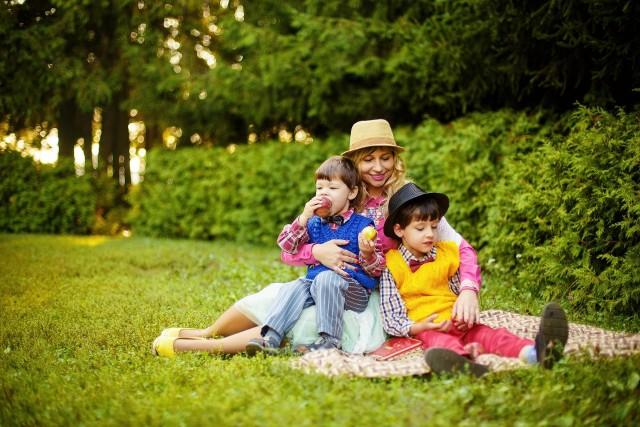 26 maja w Polsce obchodzimy Dzień Matki. To wyjątkowy dzień, w którym oddajemy cześć naszym rodzicielkom za poświęcenie włożone w nasze narodziny i wychowanie. Zobacz niezwykłe mamy z naszego regionu na kolejnych slajdach >>>