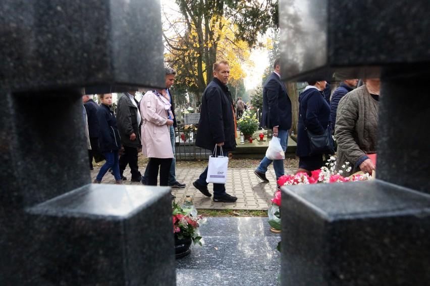 Wszystkich Świętych na najstarszym cmentarzu Lublina (ZDJĘCIA, WIDEO)