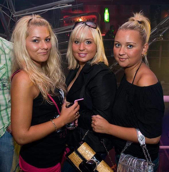 W 2008 roku w Mielnie otwarto klub Senso. Zobaczcie zdjęcia z pierwszej imprezy w tym klubie!