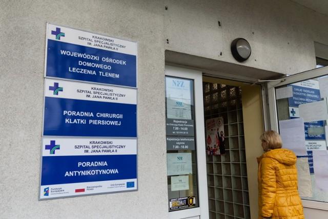 Przedstawiciele gmina Wielka Wieś i Krakowskiego Szpitala Specjalistycznego im. Jana Pawła II podpisali list intencyjny potwierdzić potrzebę zakupu respiratora.