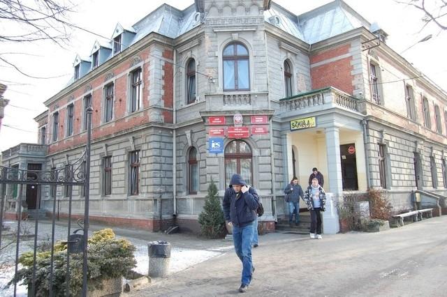 Zabytkowy budynek przy ul. 23 Stycznia to jeden z dwóch obiektów dydaktycznych soleckiego ZSOiZ.
