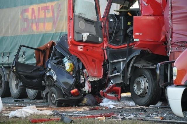 Do makabrycznego wypadku doszło 18 października 2012 roku na drodze krajowej 11 w Oleśnie.