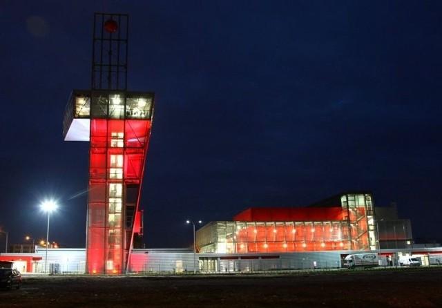 Po raz pierwszy w pełnej wieczorowej krasie można było obejrzeć podświetlony nowy obiekt z 57-metrową wieżą widokową.