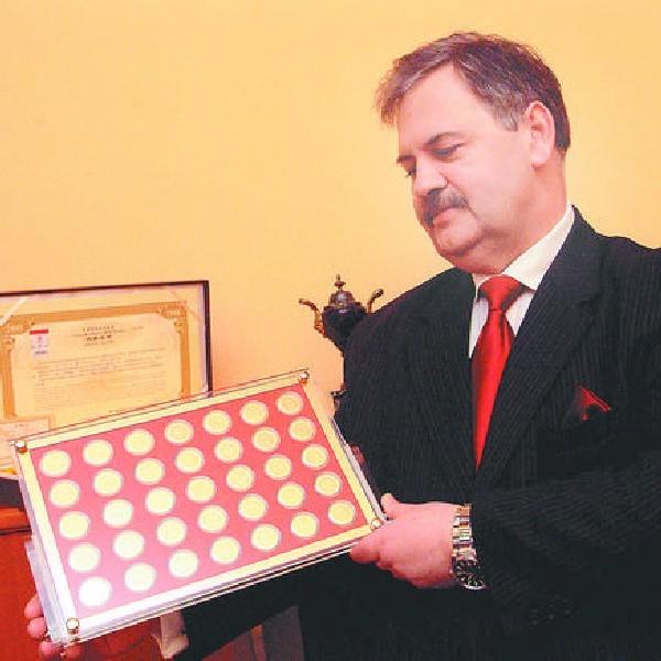 - Te medale, to niebywała gratka dla kolekcjonerów w roku olimpijskim - przekonuje prezes Polskiego Domu Aukcyjnego w Bydgoszczy, Jan Kucharski