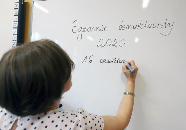 Ważne dla ósmoklasistów: Wyniki egzaminu ósmoklasisty zostaną ogłoszone w piątek, 31 lipca, o godz. 10.00 - informuje dyrektor CKE