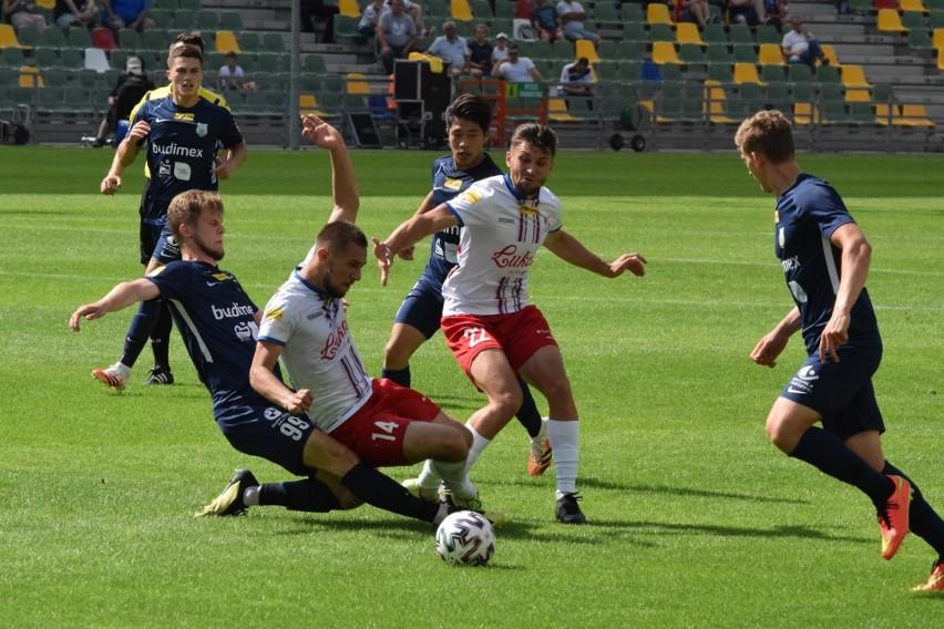 Piłkarze Podbeskidzia pokonali Stomil i wciąż są liderem...