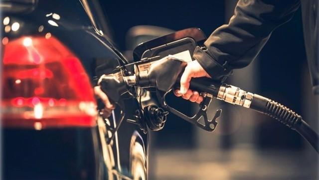 Podlaska KAS m.in. wykryła, że jedna ze spółek z branży paliwowejzarejestrowanych na Cyprze nie płaciła należnegopodatku VAT. Firma wystawiała faktury na rzecz tzw.znikających podatników, narażając Skarb Państwa nastratę ponad 230 mln zł.