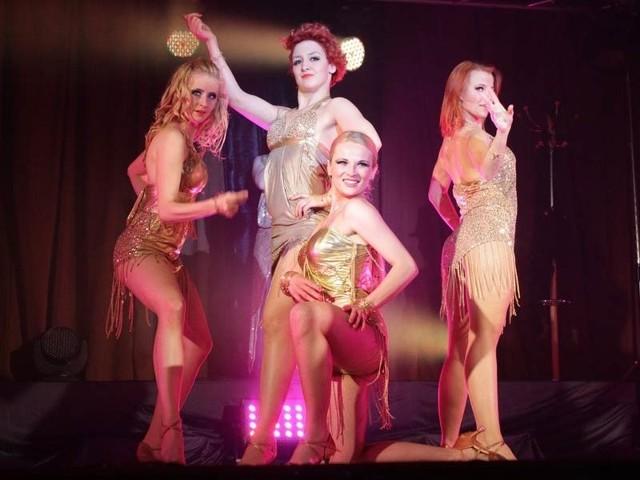 Niesamowity show rzeszowskiej grupy tanecznej w rudnickim domu kultury.