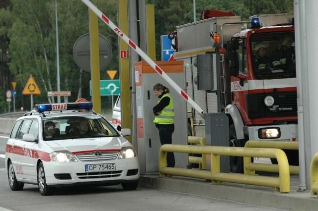 Teraz auta służb ratowniczych nie muszą przejeżdżać przez punkty poboru opłat, co skraca czas dojazdu do potrzebujących.