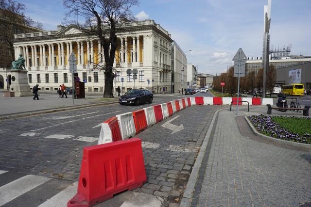 Z centrum Poznania mają zniknąć szpetne separatory