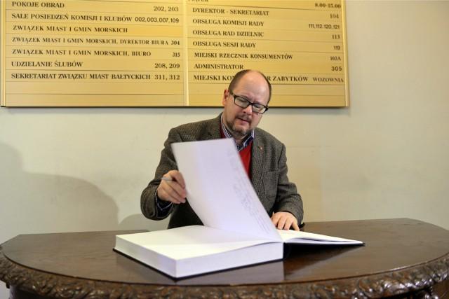Do księgi kondolencyjnej wyłożonej w siedzibie gdańskiej Rady Miasta wpisał się m.in. prezydent Paweł Adamowicz