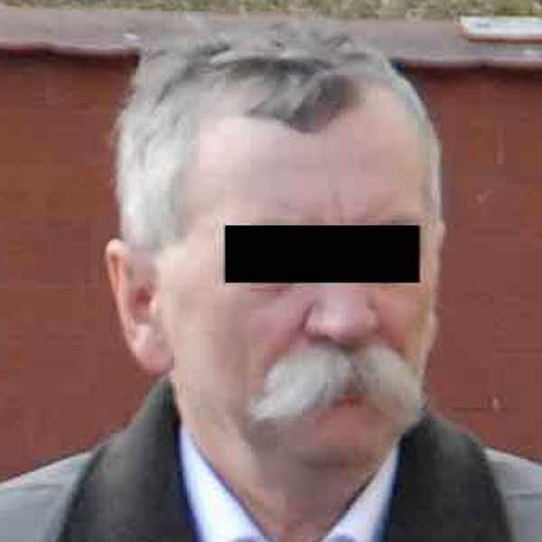 Antoni F. został zatrzymany w styczniu w swoim gabinecie po policyjnej prowokacji. Oprócz pieniędzy i innych prezentów, znaleźli przy lekarzu odręczne zapiski dotyczące przyjętych łapówek.