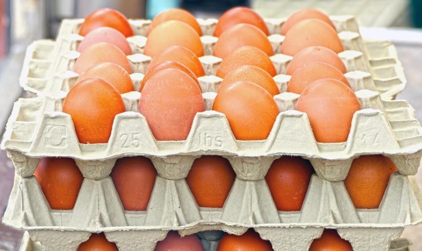 Wiedza o możliwej infekcji przy spożyciu surowych jajek jest...