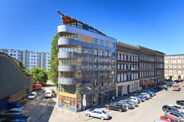 Arkadia w SzczecinieMieszkania z osiedla Arkadia wzbogacą ofertę noclegową w Szczecinie. A tym, którzy myślą o inwestowaniu dają nowe możliwości zarabiania na nieruchomościach. Deweloper ma wypłacać właścicielowi lokalu zysk od wynajmu bez względu na poziom obłożenia najmem.