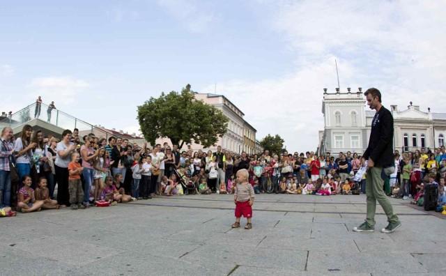 W weekend w Radomiu odbył się II Festiwal Teatrów Ulicznych i Precyzji. Twórcy z całej Polski pokazali swoje najlepsze triki.