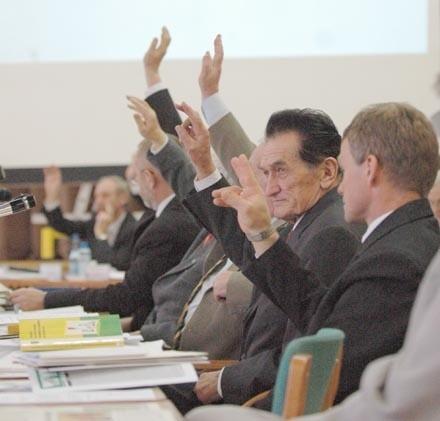 Za przyjęciem budżetu na 2006 r. opowiedzieli się wszyscy radni lewicy
