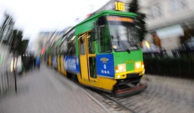 O godz. 10.40 doszło do wstrzymania ruchu tramwajowego na ulicy Wyszyńskiego.