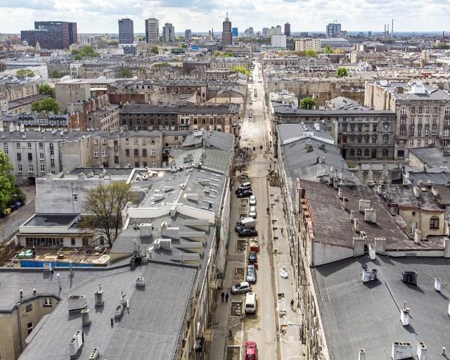 Rewitalizacja ul. Wschodniej w pełni. Przebudowywana jest ulica, trwają remonty kamienic. Do 2022 r. wyremontowanych zostanie ich tam 8.