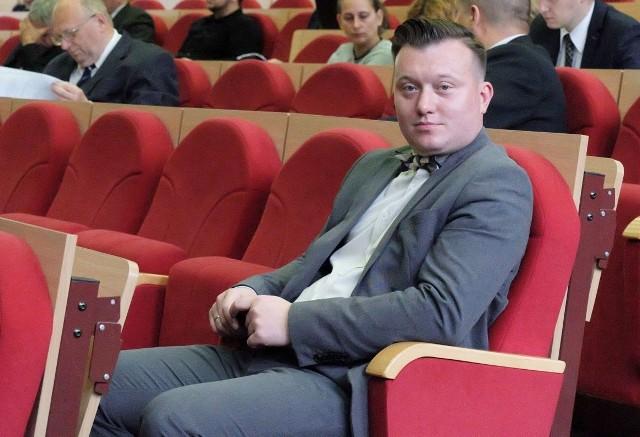 """Radny PiS Krzysztof Stawnicki był za tablicą """"Skiby"""" i obeliskiem Golgota Wschodu. Przy głosowaniu w sprawie pomnika małego Zamenhofa wyszedł z sali."""