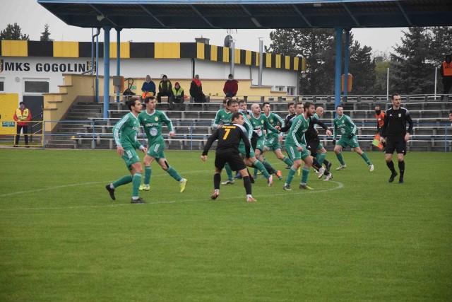 11 listopada rozegrana została w większości druga runda Regionalnego Pucharu Polski. Nie brakowało niespodzianek i awansów ekip z niższych lig. Co ciekawe zwycięskie drużyny wiedzą także z kim zmierzą się na następnym etapie. OZPN bowiem dokonał losowania drabinki aż do samego półfinału.