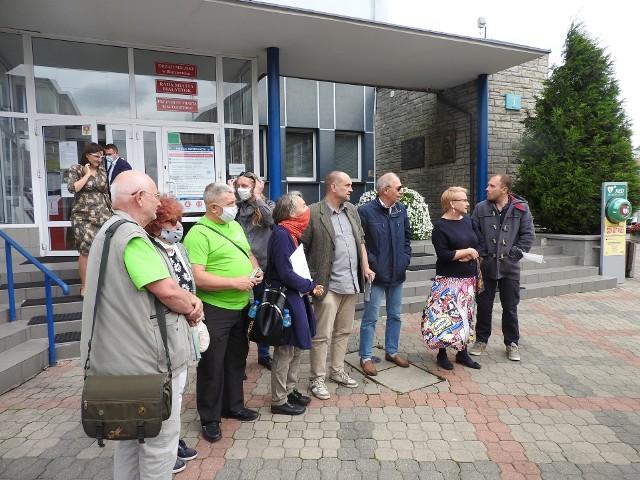 Petycję z 2500 podpisami białostoczan złożyli społecznicy na ręce wiceprezydenta Białęgostoku Adama Musiuka.