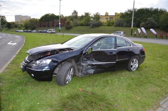 Kierowca hondy przyjechał do Łodzi na mecz polskiej kadry siatkarskiej. Nim dotarł na spotkanie miał wypadek.